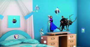 Wall stickers Frozen med Elsa og rensdyret Svend