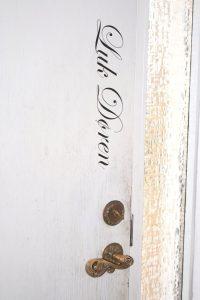 wallsticker_Luk-døren
