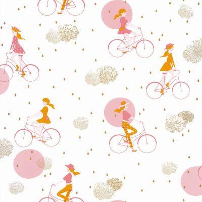 Tapet med piger der cykler, i orangerød og varm gul og guldskyer