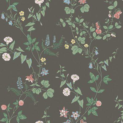Borås tapet fra kollektionen falsterbo lll midsummer eve 7679 en flot blomstret tapet med en mørk brungrå bundfarve og sarte rosa og lyseblå blomster